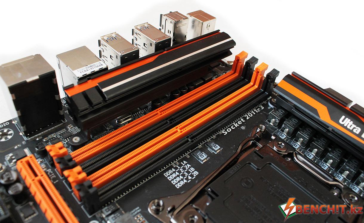 GIGABYTE X99-SOC Force имеет 8 слотов памяти