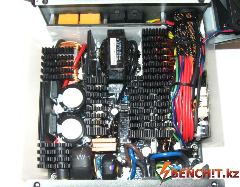 Внутренее устройство Thortech 850 W Thunderbolt PLUS